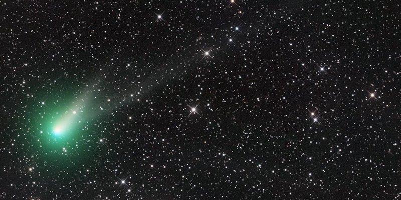 E' arrivata nel nostro cielo la cometa di Natale, chiamata Catalina.femmina, femminile,cambiamento, amore, luce, diamante, santo graal,maddalena,divino,cosmo,destino,umanità,
