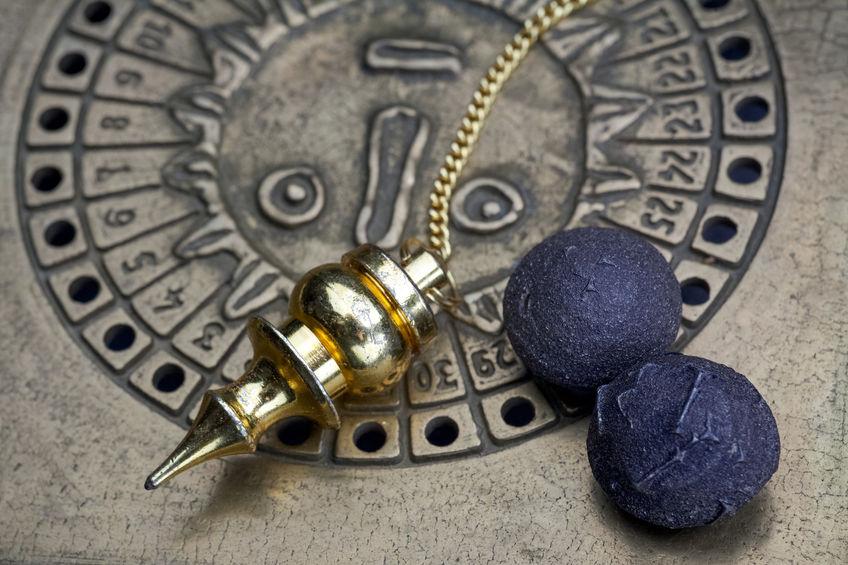 consulto con pendolo e tarocchi